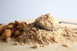 les équivalences et les différences des IG les farines d'amande ou de noisette ont un indice glycémique de 20, elles sont sans gluten. Pour une alimentation saine et sportive. Elles sont adaptées aux diabétiques. L'utiliser c'est l'adopter !!!